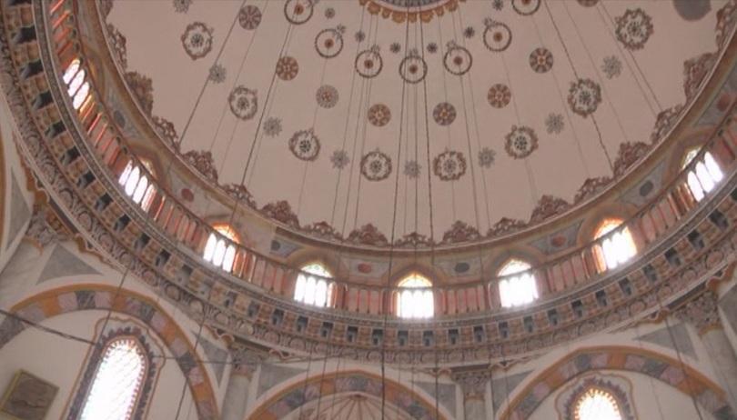 Реставратори върнаха автентичния блясък на най-големия мюсюлмански храм Томбул джамия