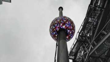 Нови кристали на кълбото на Таймс Скуеър в Ню Йорк