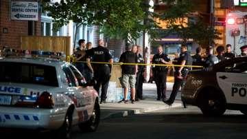 След стрелбата в канадския град Торонто - две жертви и 12 ранени