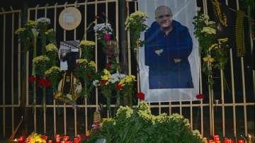 Пловдивчани отдават почит към убития в Гърция фен на Ботев