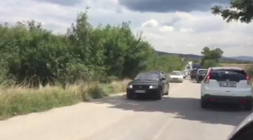 снимка 1 Километрично задръстване заради катастрофа на АМ Тракия