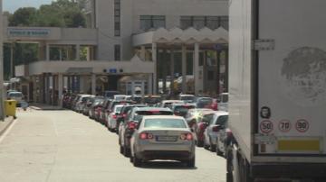 За празника на път: Интензивен е трафикът в цялата страна