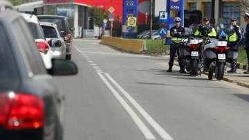В първия от серията почивни дни: Натоварен трафик и засилен контрол по пътищата