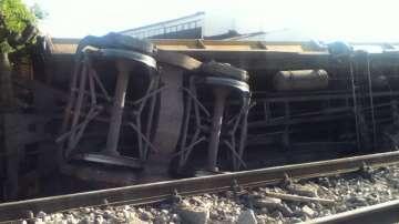 Дерайлирали товарни вагони спряха влаковете за Белград