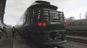 5-звездно обсужаване в най-новия спален влак в Япония