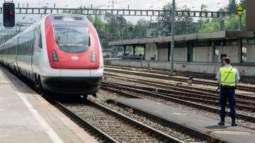 Швейцария откри най-дългия жп тунел в света