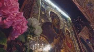 Започна литийно шествие с чудотворната икона на Богородица в Троянския манастир