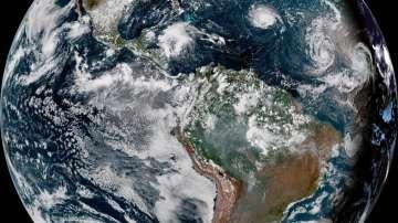 Ураганът Флорънс усилва мощта си