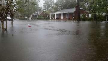Бурята Флорънс бушува с огромни количества дъжд в Северна и Южна Каролина