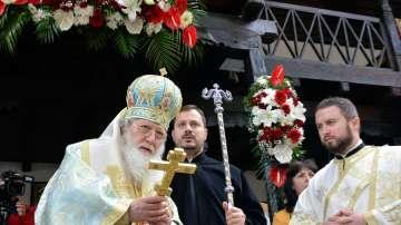 Патриарх Неофит откри и освети ново крило в Троянския манастир