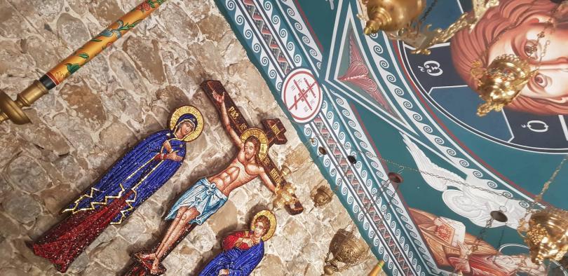 снимка 2 Стотици се поклониха пред чудотворната икона на Богородица в Троянския манастир