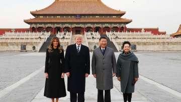 Почести и червен килим за Тръмп в Китай