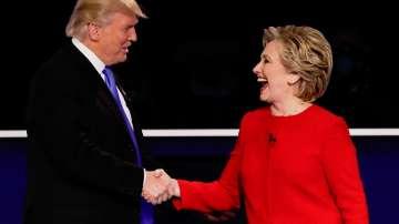 Клинтън и Тръмп лице в лице за първи път в тв дебат
