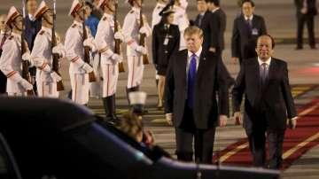 Лидерите на САЩ и Северна Корея пристигнаха в Ханой за срещата на върха