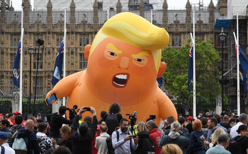Хиляди протестиращи се включиха в митинг срещу Тръмп в Лондон