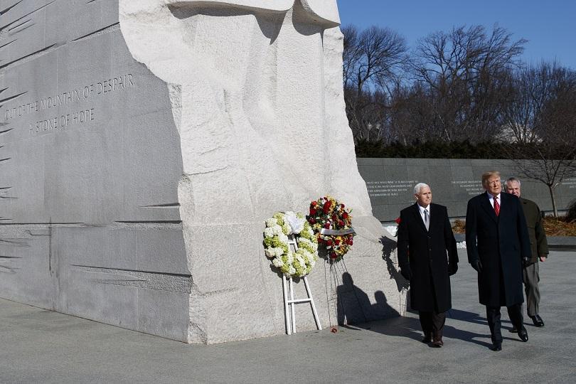 Американският президент Доналд Тръмп посети мемориала на Мартин Лутър Кинг