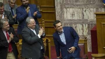 Гръцкото правителство оцеля при вота на недоверие