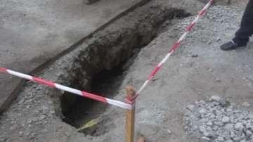 Откриха подземен тунел при ремонт на улици в Бургас