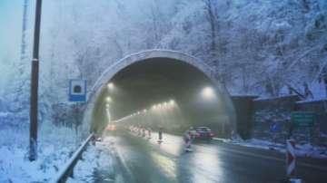 Пуснаха предсрочно движението в тунел Ечемишка
