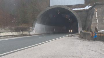 Продължават проверките на тунелите в страната