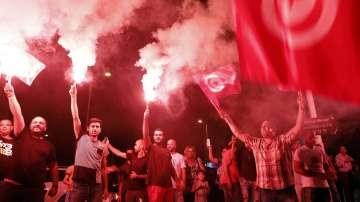 Двама антисистемни кандидати отиват на балотаж на президентските избори в Тунис