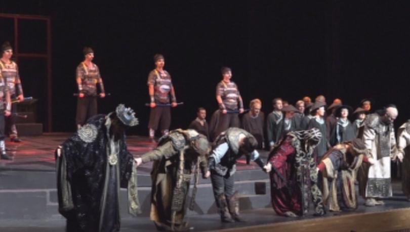 Спектакълът е показван пред японската публика вече три пъти по