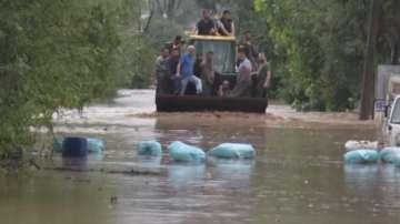 Стотици евакуирани след проливни дъждове и наводнения в Турция