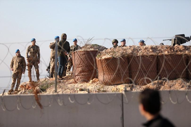 Турция е нанесла артилерийски и въздушни удари срещу десетки обекти