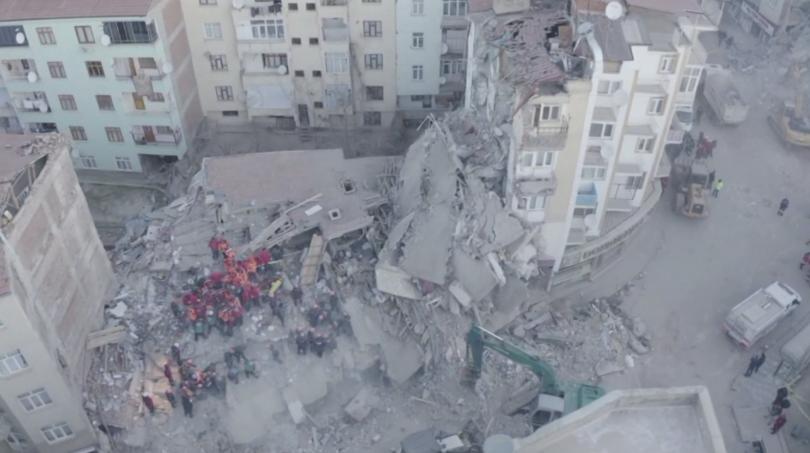 Жертвите на земетресението, разлюляло Източна Турция в петък вечер, вече