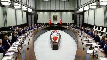 Без радикални промени в новия турски кабинет