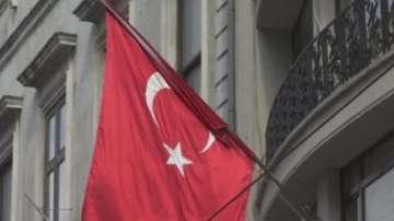 Двама полицаи са загинали, а 19 души са ранени при взрив в Източна Турция