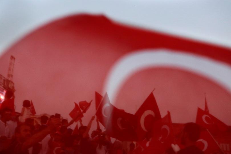 Турция призова световните сили да отворят нова страница в Сирия