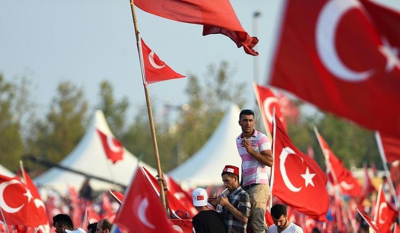Турция уволни 87 служители на националната разузнавателна агенция