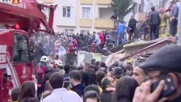 Извадиха 5-годишно дете от рухналата сграда в Истанбул
