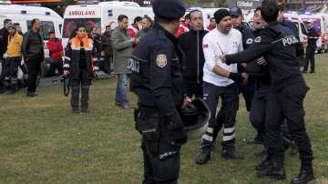 Микробус с нелегални мигранти катастрофира в Одрин, има загинали и ранени
