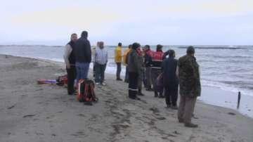 Телата на над 30 бежанци изхвърлени на турския бряг на Егейско море