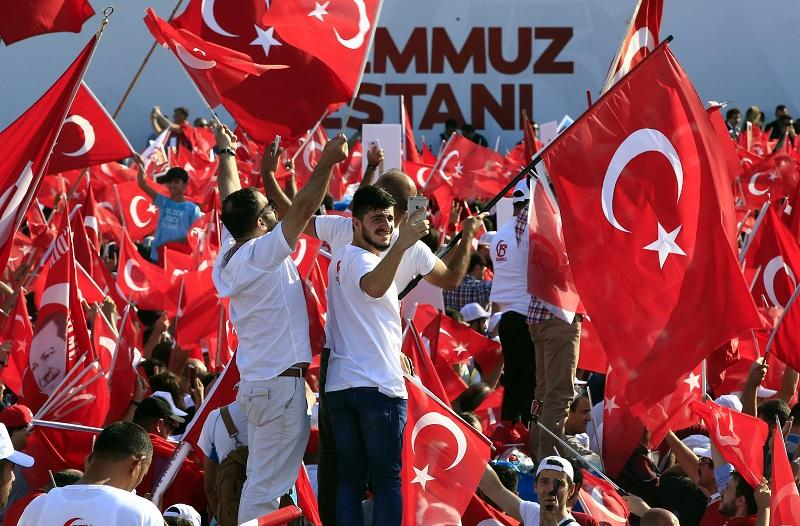 Турски колумнист задържан заради статия за опита за преврат