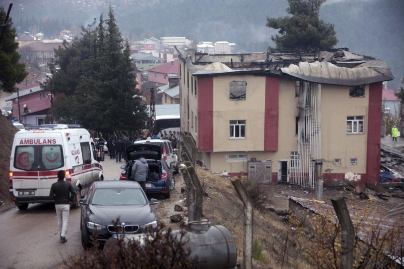 арести заради пожара общежитието турция