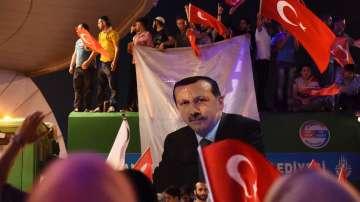 От нашите пратеници: Близо 8000 са арестуваните след метежа в Турция