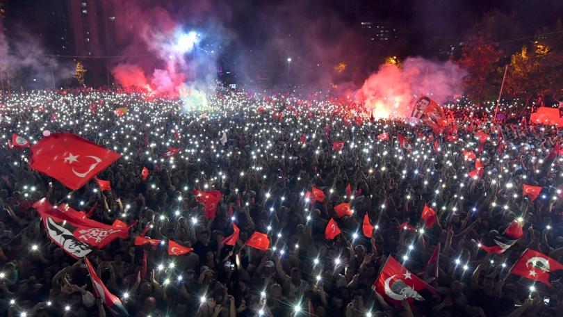 Издигнатият от опозицията Екрем Имамоглу спечели убедително местните избори в