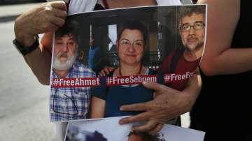Турските власти освободиха Ахмет Несин, подкрепял прокюрдски вестник