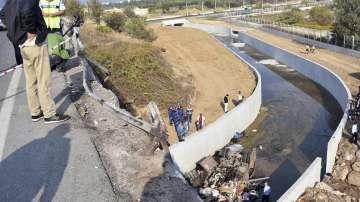 Расте броят на жертвите на тежкия пътен инцидент в Измир
