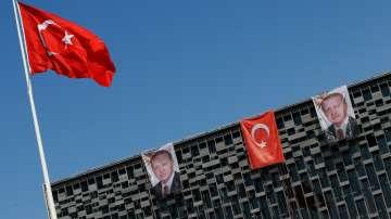 Турция осъмна в извънредно положение (обзор)