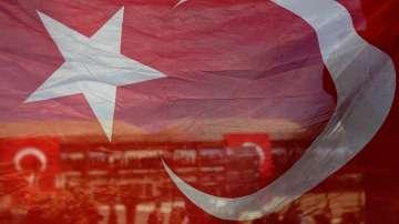 Най-големият син на бившия турски премиер Месут Йълмаз е открит мъртъв в дома си