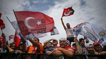 Финални митинги в Турция преди утрешните избори