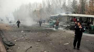 13 военни са убити при експлозията на автобус в Турция
