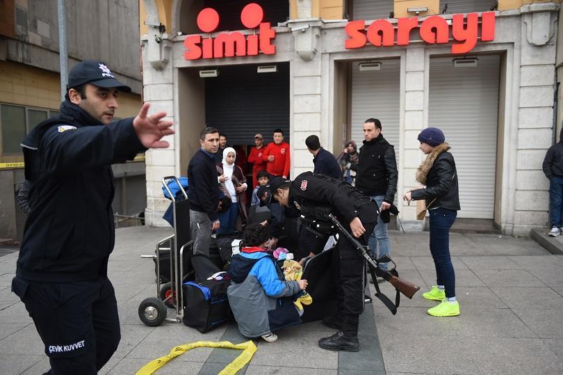 снимка 1 Няма данни за пострадали българи при атентата в Истанбул