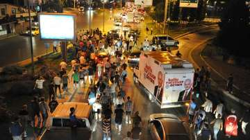 161 цивилни са убити, 1440 ранени при опита за преврат в Турция