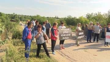 Три села излязоха на протест срещу лошите пътища в община Павликени