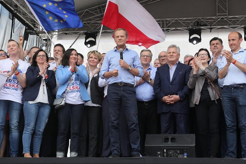 доналд туск взе участие проевропейски митинг варшава